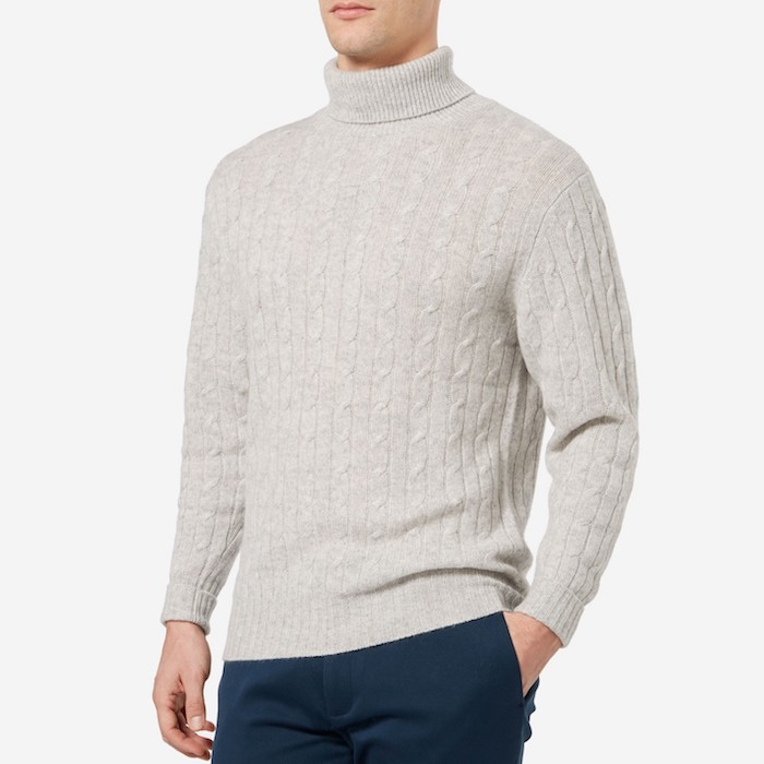 b2adcba25b41fc CABLE TURTLE NECK CASHMERE SWEATER | Blingby